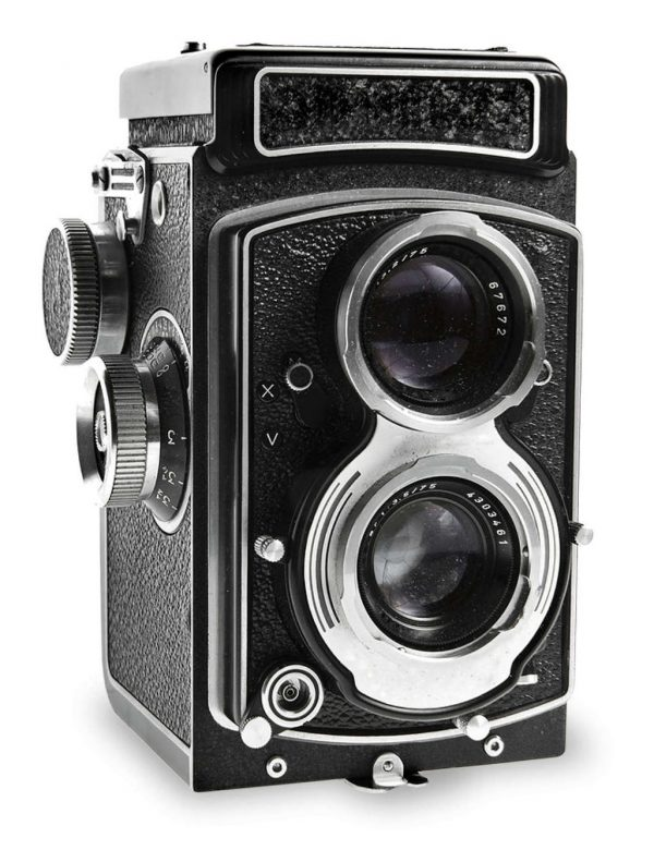 Retro-camera-on-white-bigframe